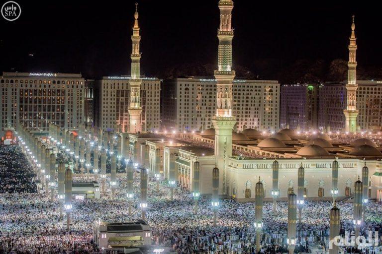 اكثر من 3 ملايين مسلم يشهدون ختم القرآن بالحرمين الشريفين ...