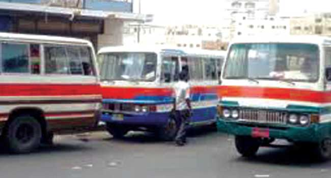حجز حافلات خط البلدة ومنعها من تحميل الركاب أرشيف صحيفة البلاد